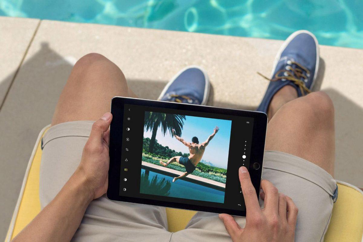 Смотрите фильмы на защищённом от повреждений планшете